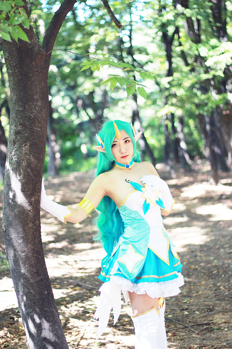 Star Guardian Soraka Cosplay by Korean cosplayer Aleah