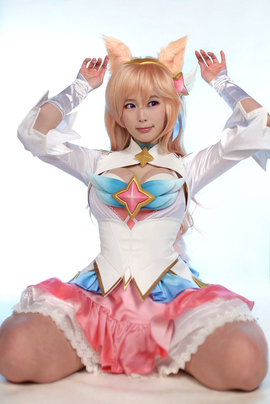Excellent Star Guardian Ahri Cosplay by Doremi